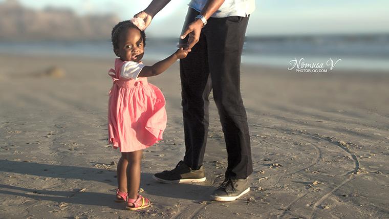 mupunga family_strand beach_nomusa v photoblog_cape_town_family_photographer  (10)