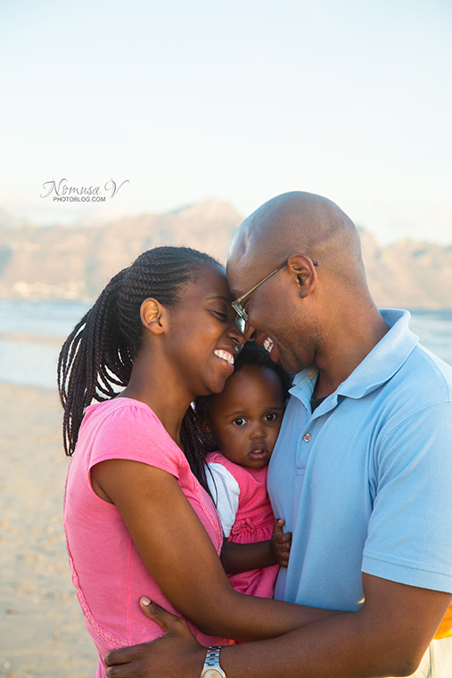 mupunga family_strand beach_nomusa v photoblog_cape_town_family_photographer  (14)