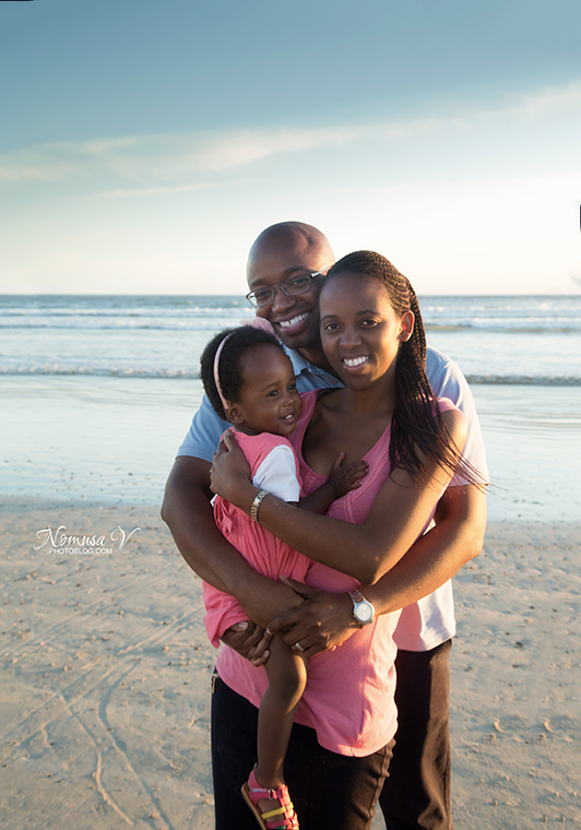 mupunga family_strand beach_nomusa v photoblog_cape_town_family_photographer  (28)
