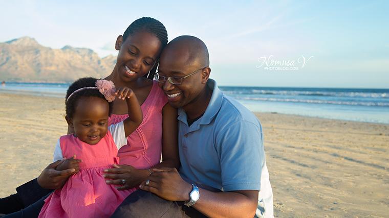 mupunga family_strand beach_nomusa v photoblog_cape_town_family_photographer  (8)